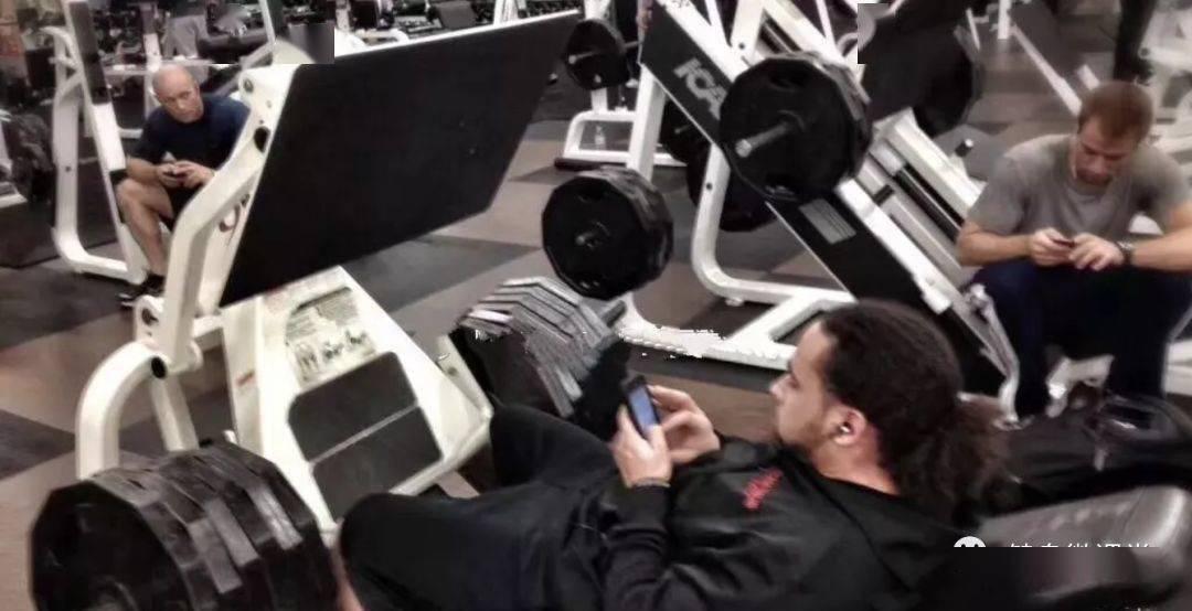别人在健身房 vs 你在健身房,腹肌都笑出来了!