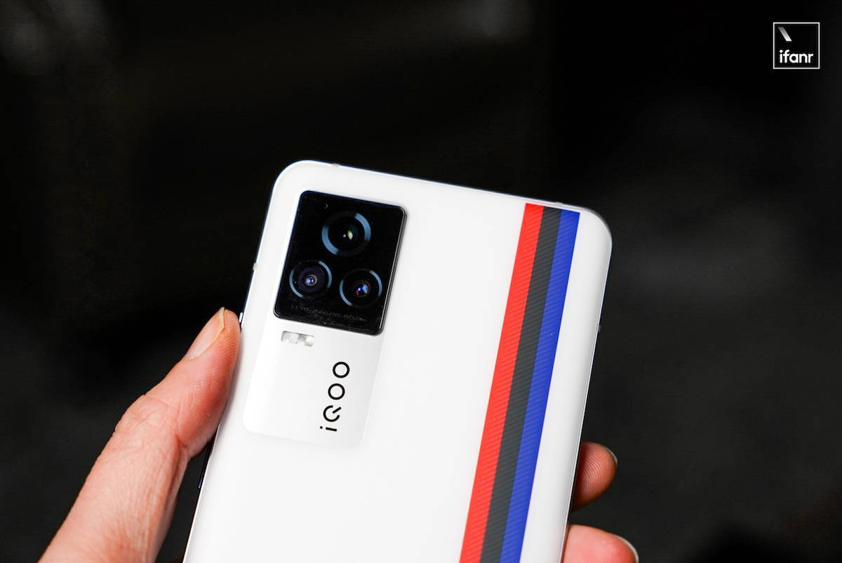 iQOO 7 首发体验:拿下「三双」的游戏高手