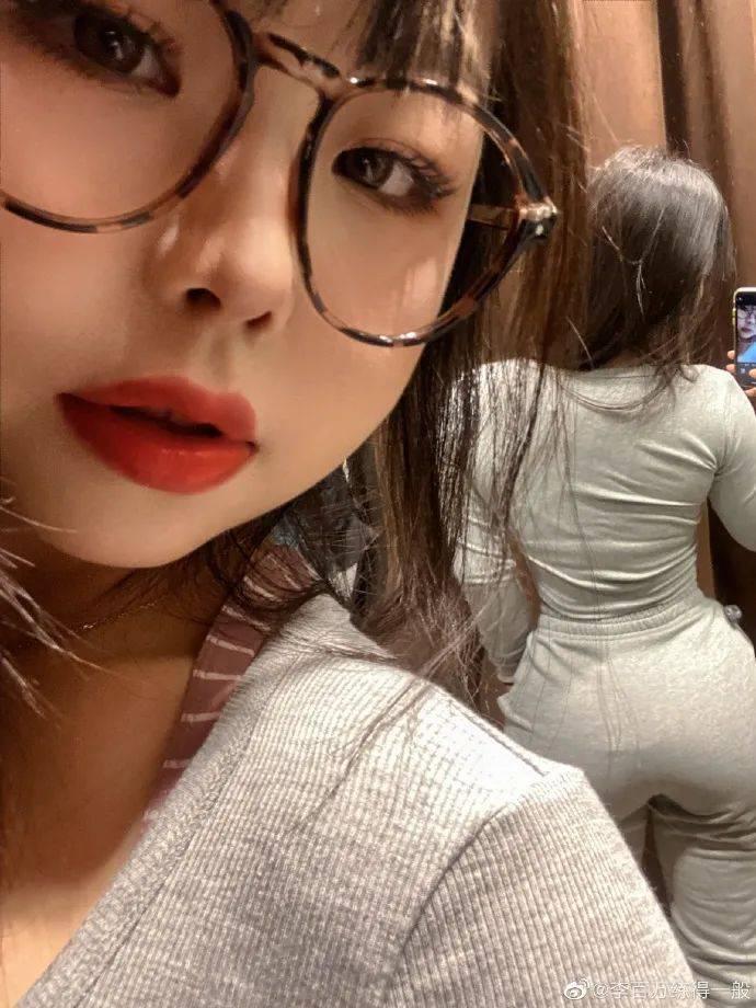 当上海萝莉穿上紧身裤,这炸裂的臀围简直了...