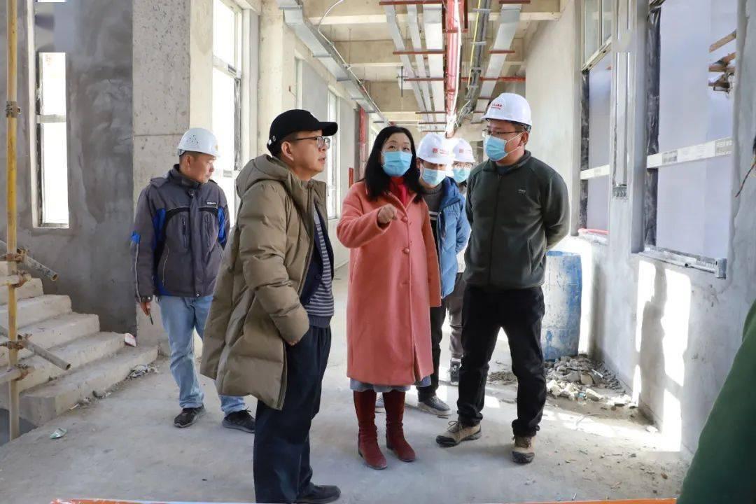 福州外语外贸学院执行校长黄建平考察学校附属幼儿园建设项目