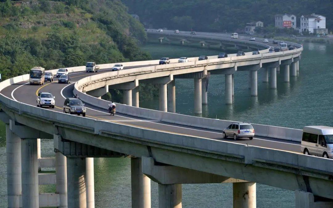 高速公路为什么要限速120公里/小时?如果不限速行不行?