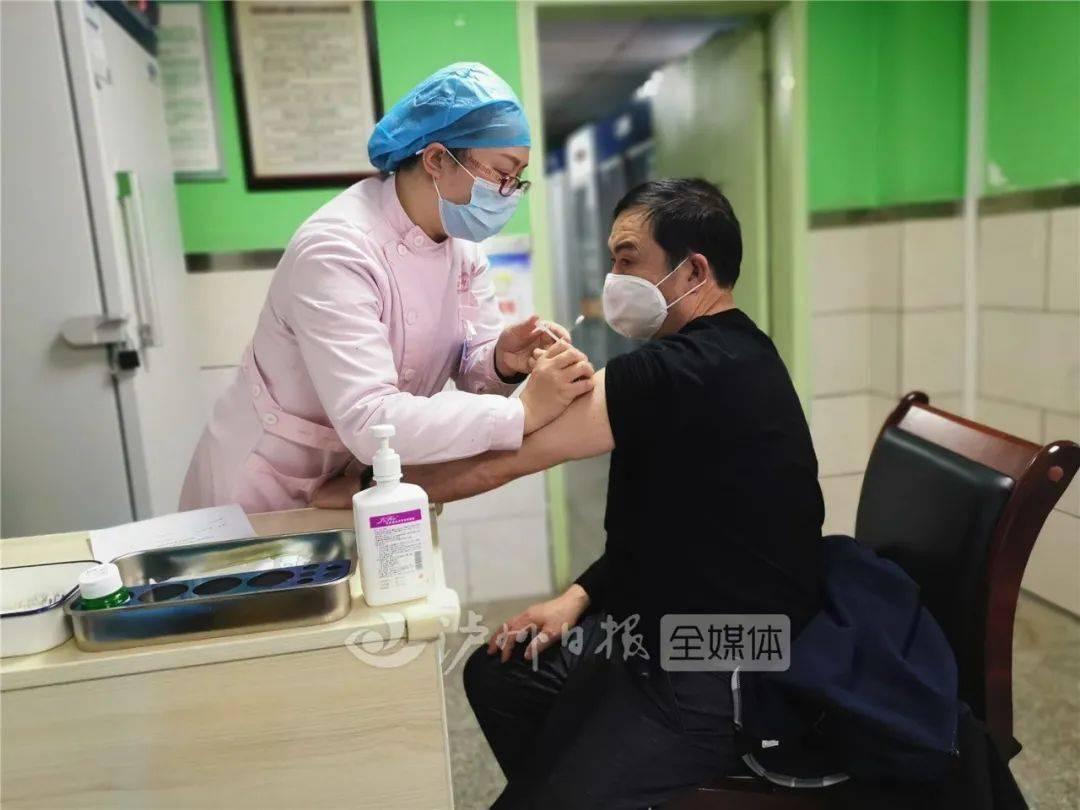 泸州新冠疫苗接种正在进行时丨怎么打?打几次?视频带你看现场