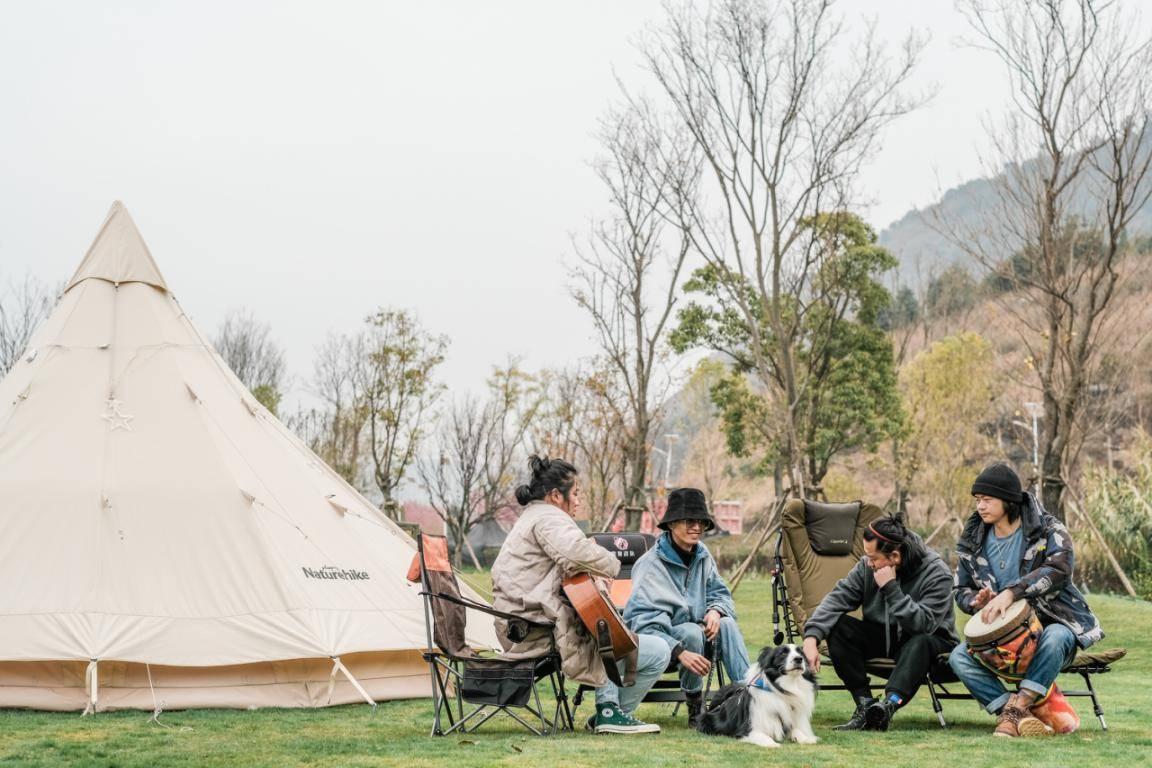 露营抚仙湖,到湖边享受一个更温暖的暖冬