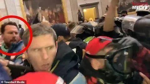 穿着国家队队服冲击国会大厦,这位美国奥运金牌得主被起诉!