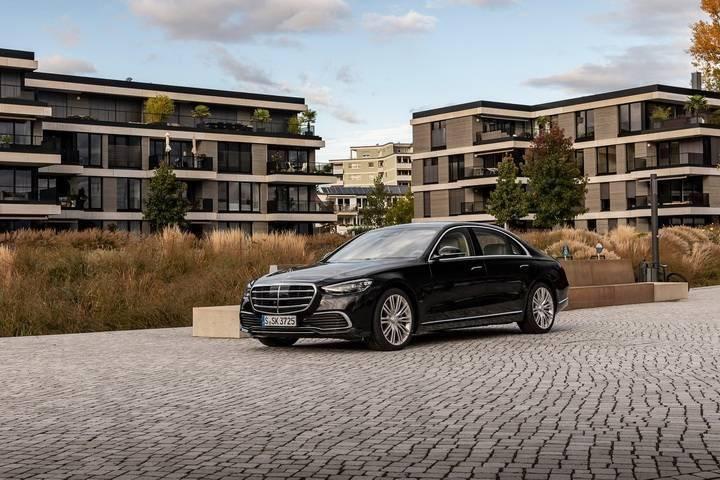 新款奔驰S级即将在国内上市,运动风格年轻,配置智能丰富