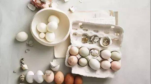 鸡蛋生吃和水煮哪个更有营养?