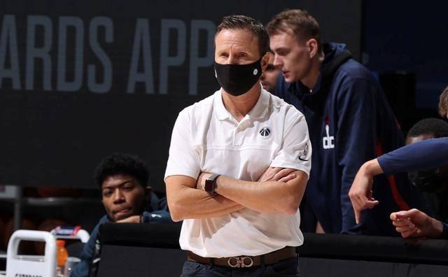 NBA主帅下课第一热门浮出水面!内忧外患 战绩倒数球迷很不满