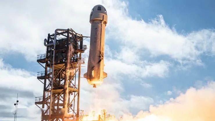 贝索斯的太空公司试飞火箭 距离载人一步之遥