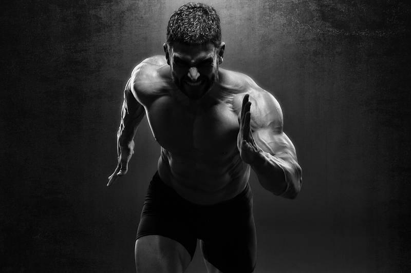 盘点:坚持进行哑铃仰卧提拉,可以练出什么肌肉部位?_运动