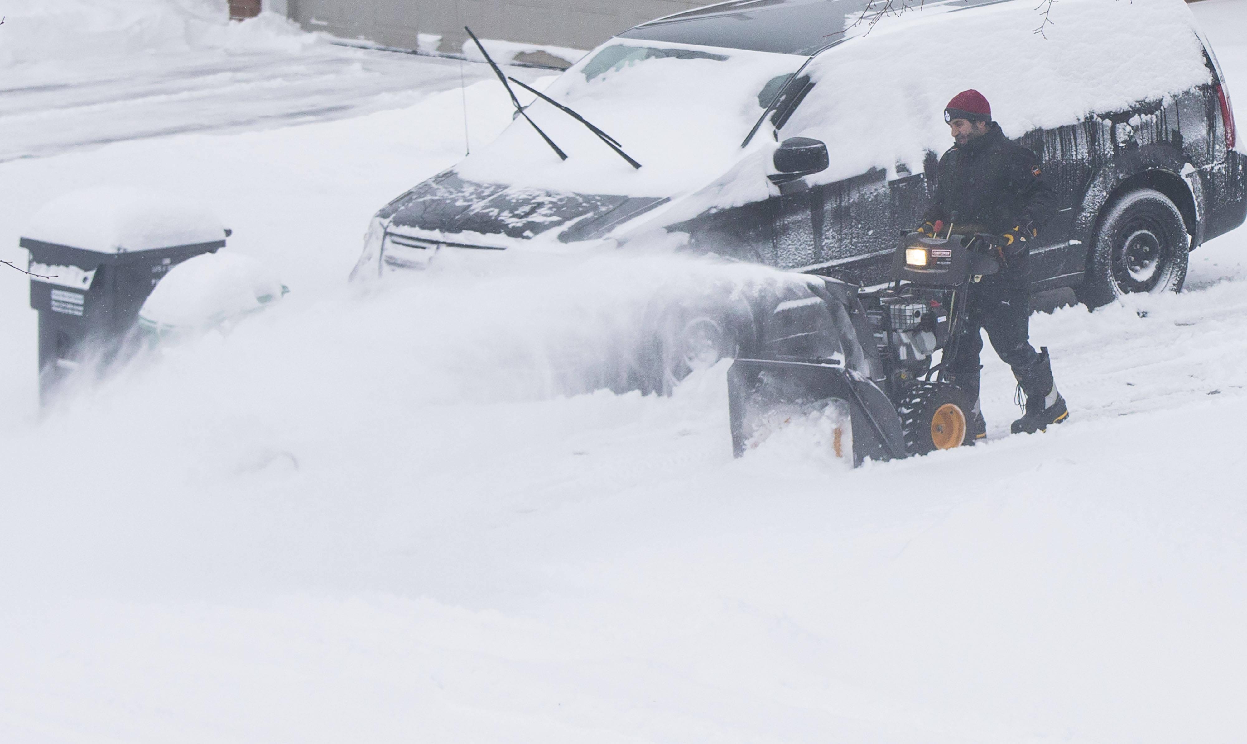加拿大多伦多地区普降大雪