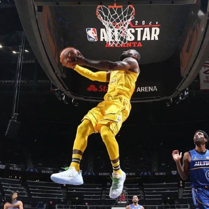NBA全明星赛詹姆斯队胜,字母哥成首位获得MVP的国际球员