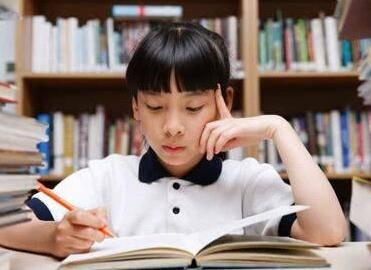 作业批改更及时 新东方在线让孩子学习更用心