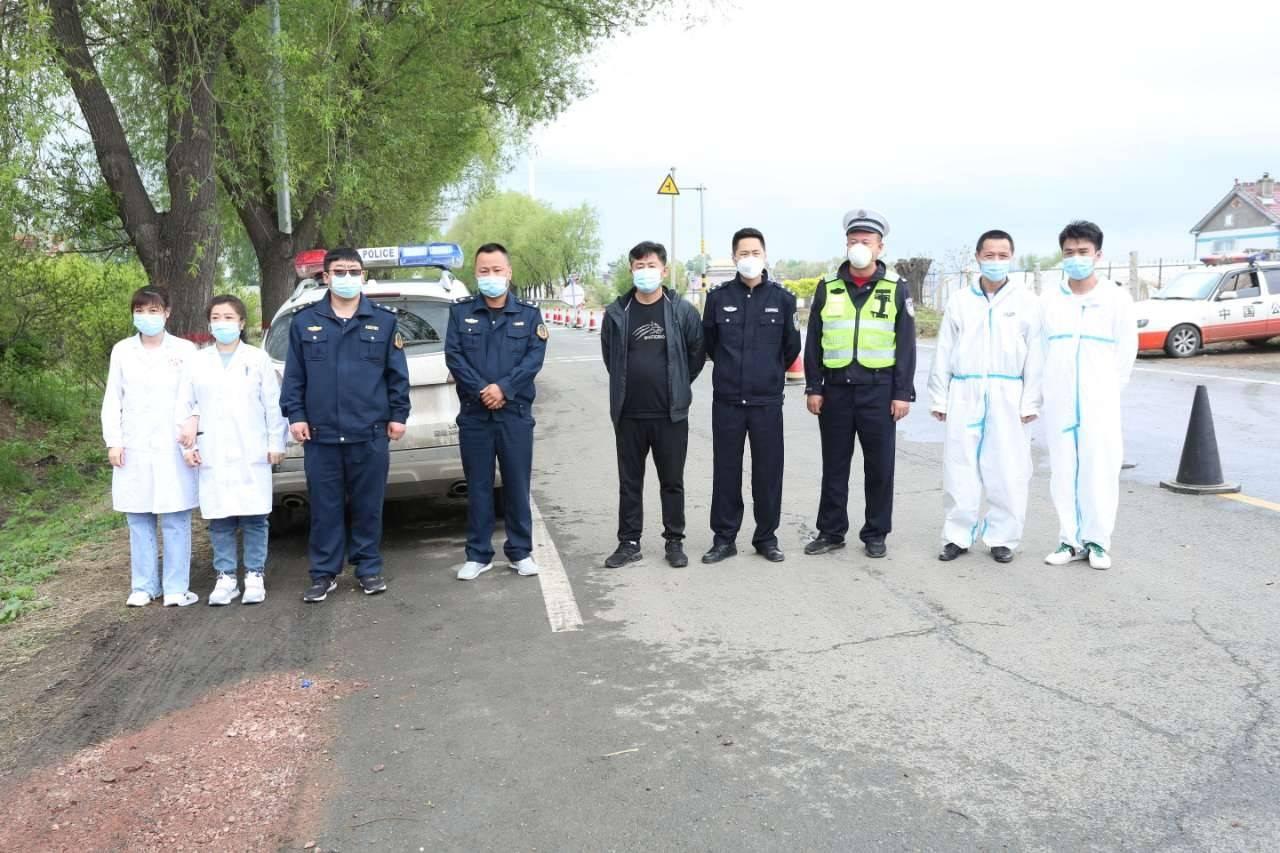 百川志愿者慰问疫情一线工作人员