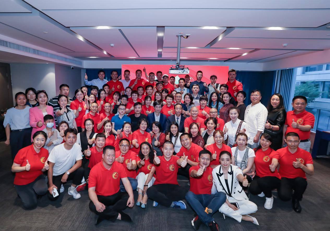 淘宝旗下淘小铺与果儿科技合作授权仪式在杭州举行
