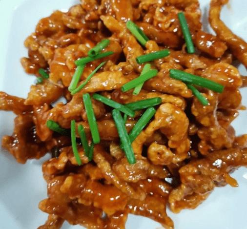 在北京十渡康乐园吃了只烤全羊,吃完步行去蹦极,体验高空坠落!