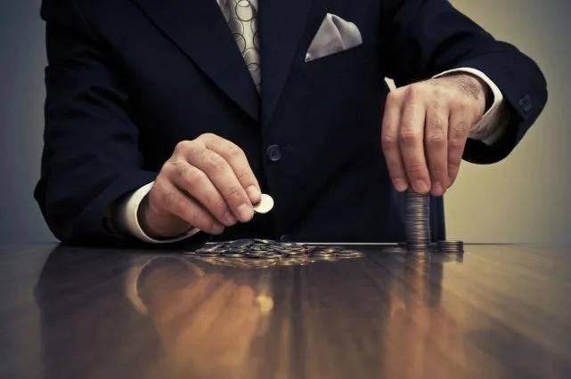 """微商套路揭秘:低成本、拉代理,""""梵蜜琳们""""是如何割韭菜的?"""