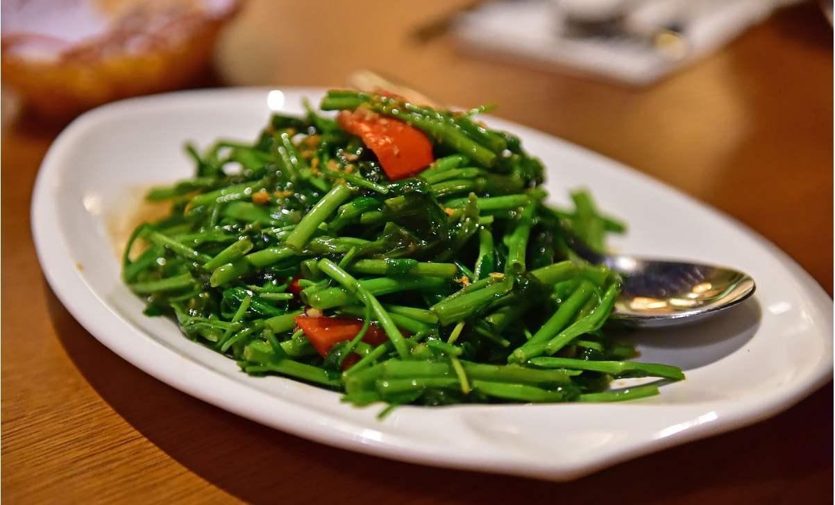 吃蔬菜有講究,為了更好地留住營養,謹記3種烹調習慣