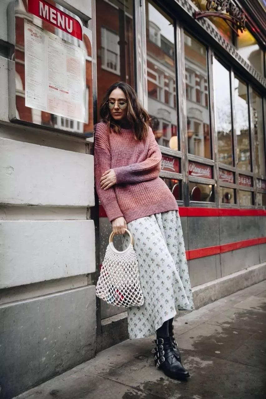 大毛衣+半裙 2020的气质通勤装就靠它了! 时尚家庭 第5张