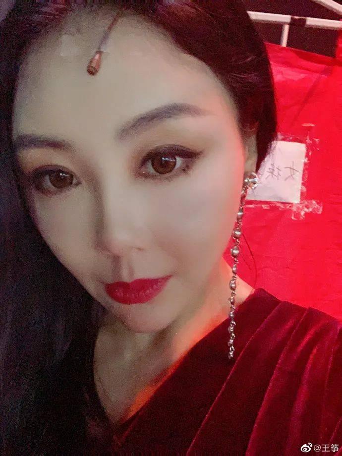 """王筝曝老公出轨证据,再发文称""""爱会消失"""",考虑结束15年婚姻"""