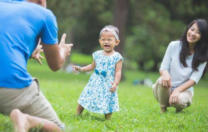 夸奖孩子的经典语句(鼓励和表扬孩子的句子)