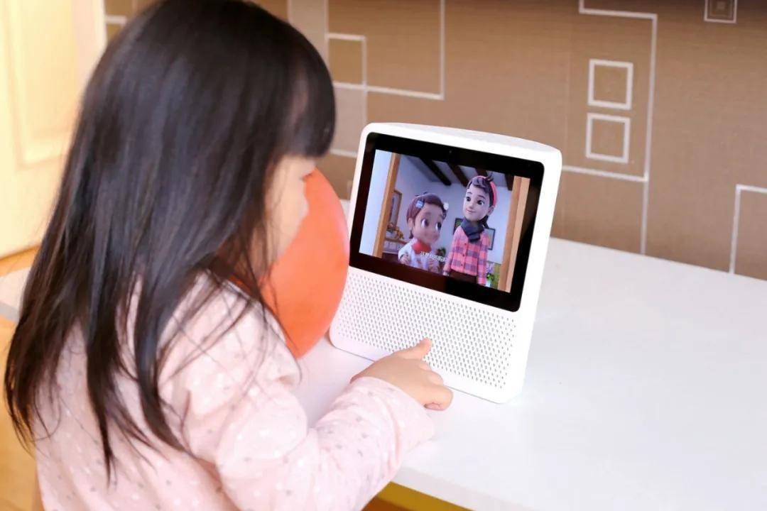 用户时间迁移史:家庭场景进入中屏时代