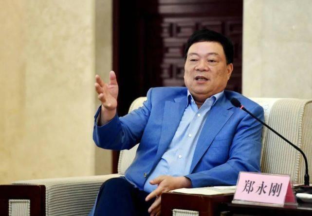 中国第一裁缝:称服装利润高出房地产,却靠新能源电池登上富豪榜
