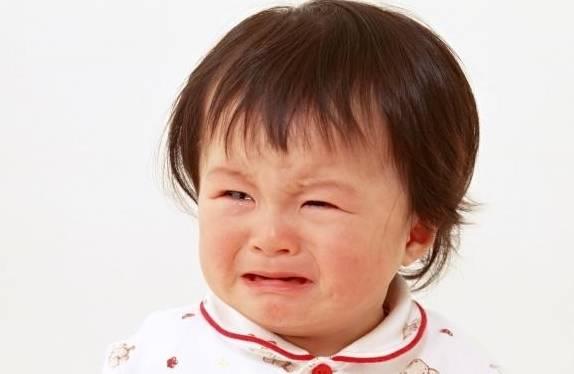 """孩子一哭,宝妈就哄?错了!别以为是宠爱,其实是""""慢性伤害""""!"""