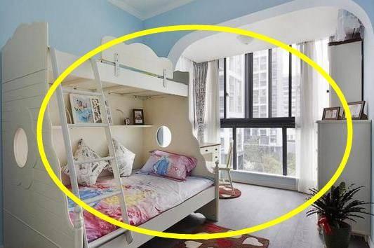 卧室别傻傻放双人床了,现在流行这样的床,美观又省空间!