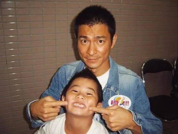 不舍!前TVB知名童星大学毕业,结束20年演艺生涯,移居日本工作生活  第5张