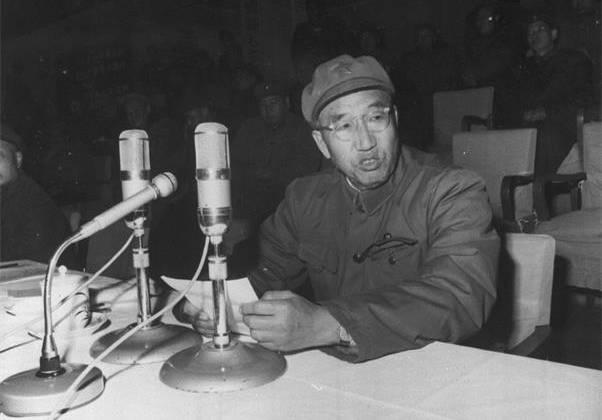 毛主席说此人抵得上3个林彪,深受重视,为何最后