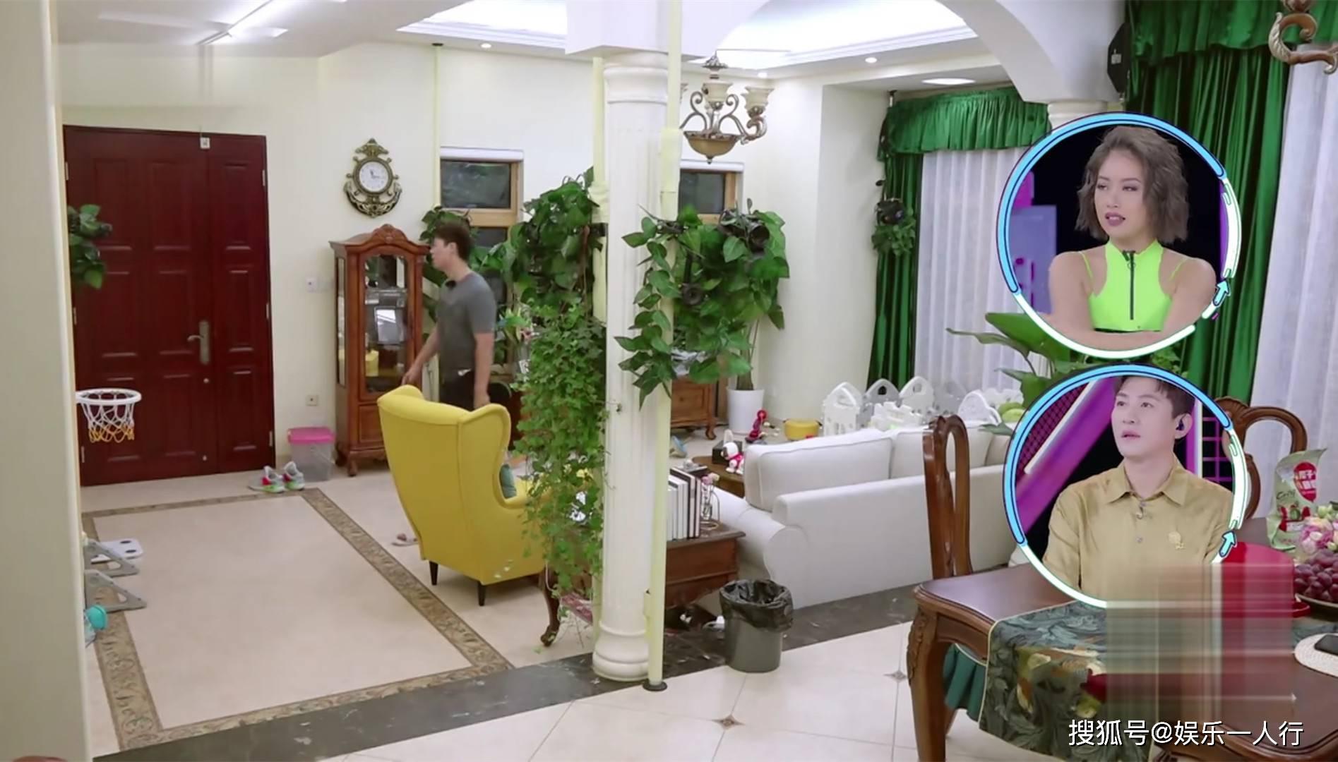 唐一菲的豪宅好气派,电竞盘口独栋别墅设计双玄关,绿