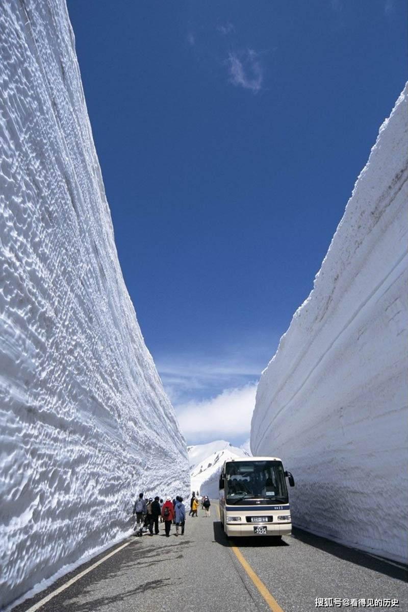 日本的雪山 壮观无比的雪壁奇景