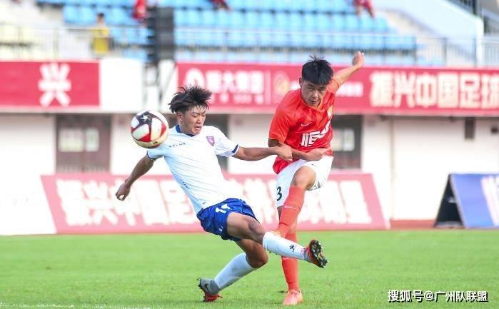 强势夺冠!广州恒大生力军全胜斩赛季第一冠,5场轰进19球