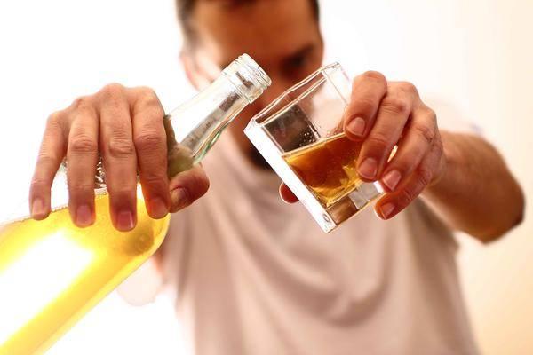 春节期间,酒局不断?提醒:喝酒前后这样做,肝或许能少受点伤!