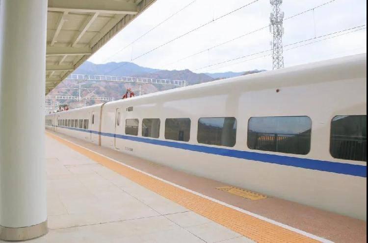 1月28日起,重庆坐动车8小时到攀枝花