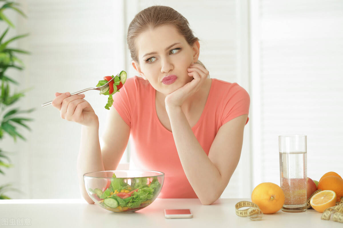 减肥避开2个误区:不节食,多做力量训练,让身体代谢更旺盛