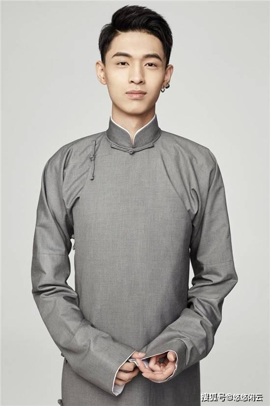 秦小贤成了德云社的快乐小弟,和周九良的相处方式成了大范围的撒娇场景