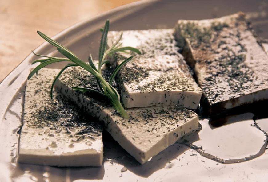 燕窝和豆腐哪个蛋白质高?