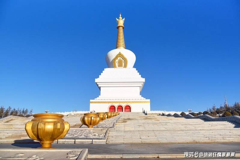 内蒙古神奇的佛教圣地,汉藏两个寺庙竟相对而立,还藏有一个传说