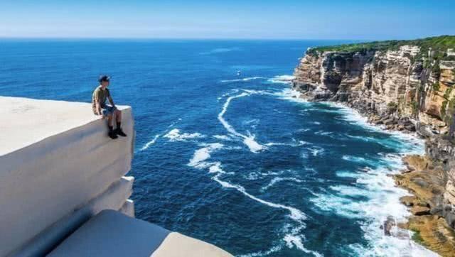 """澳大利亚""""蛋糕悬崖"""",多名游客因拍照坠崖,都没起到警示作用!"""