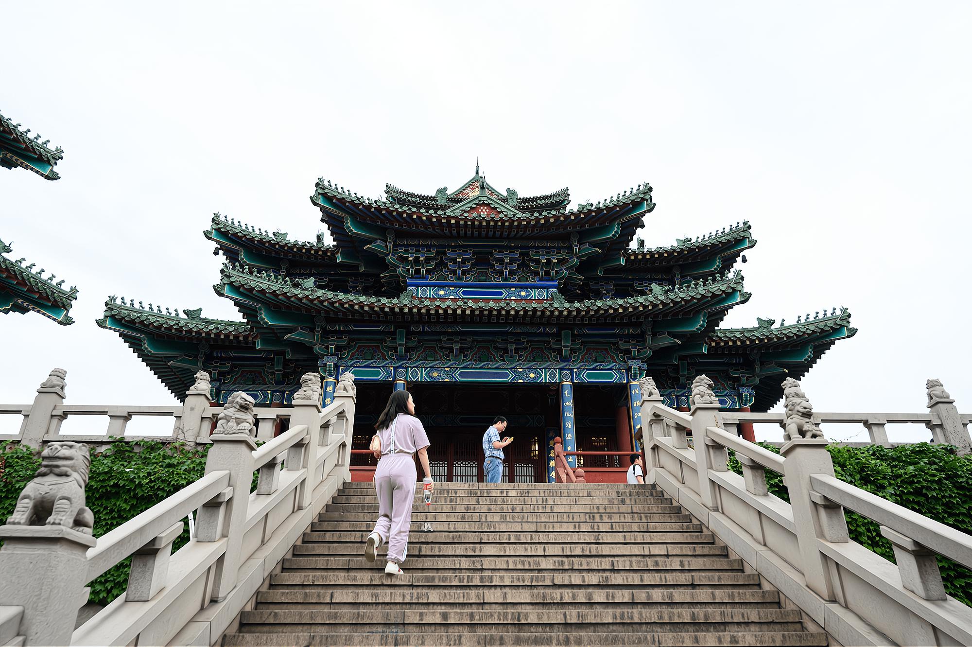 """南京有一座江南名楼,历时600年建成,被誉为""""江南第一楼"""""""