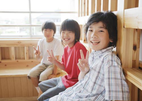 """日本""""前卫""""妈妈,把自己儿子培养成""""牛郎"""",网友:反人类行为  第4张"""