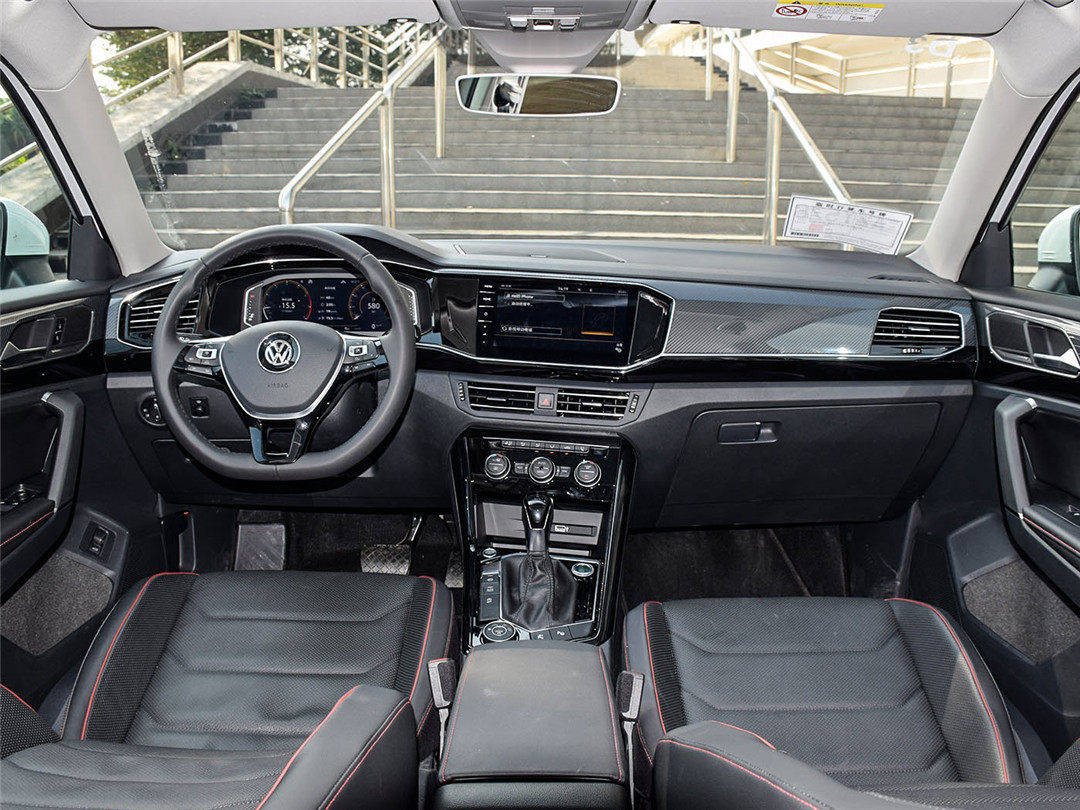 上市一年就卖爆了!这大众SUV系列又帅又好用 价格只是18.69万起?