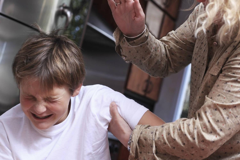 暴力对待孩子虽不可取 但若有三种行为可以打 助其养成好习惯