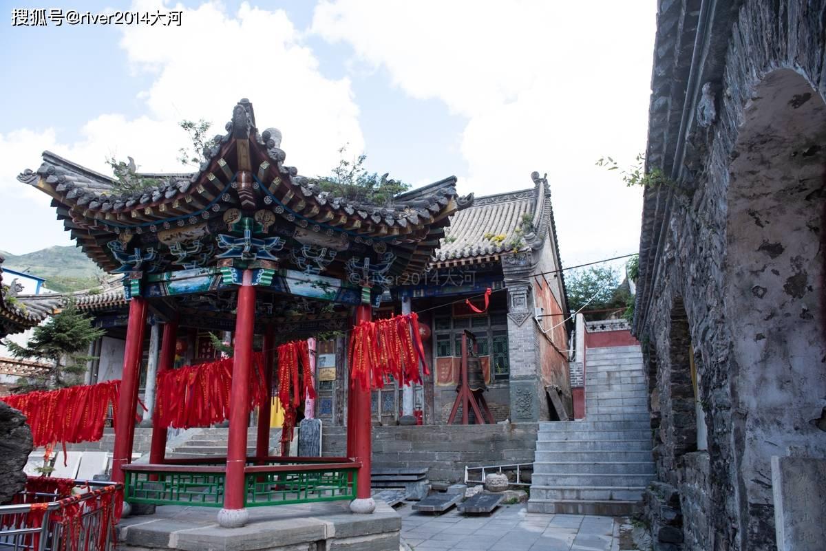 五台山这座寺庙,被金庸写进小说里,相传皇帝在此出家  第3张