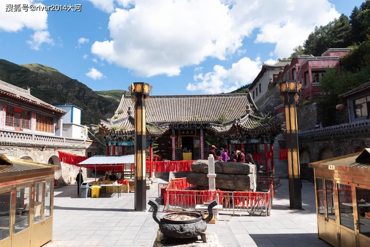 五台山这座寺庙,被金庸写进小说里,相传皇帝在此出家  第2张