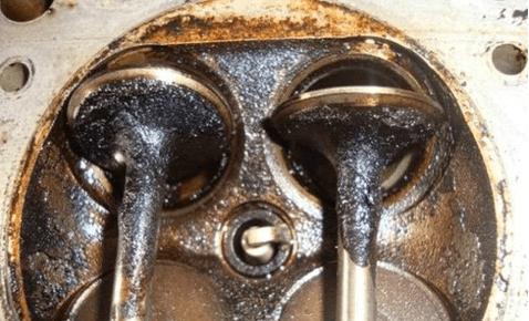 汽车发动机为什么不应该直接拆开清理积碳?机械师会告诉你答案