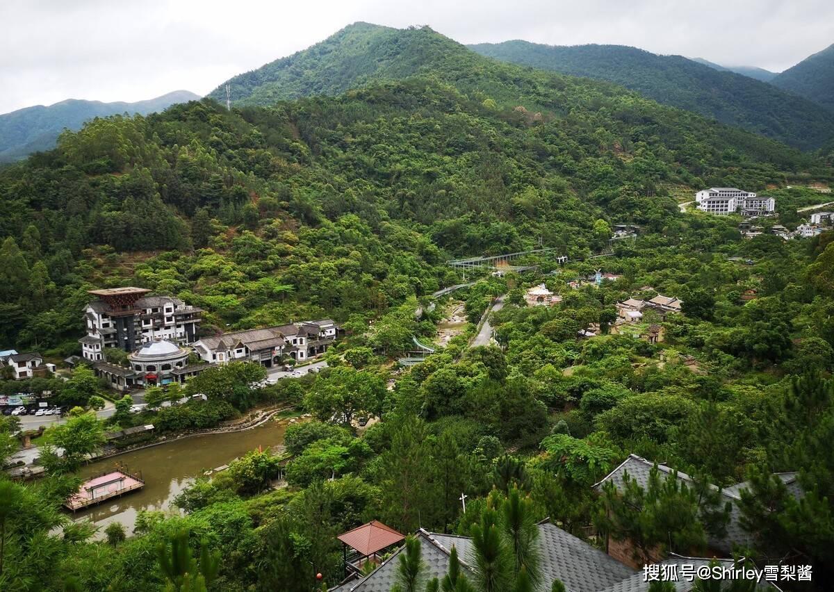 广东唯一的五线城市,属于广州都市圈,GDP却只有深圳的3.8%
