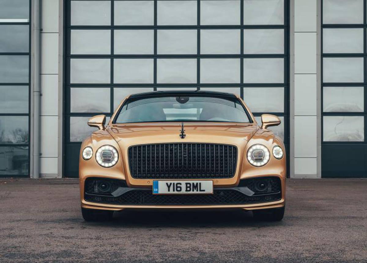 奢华不减 宾利飞驰V8版本售251.80万元