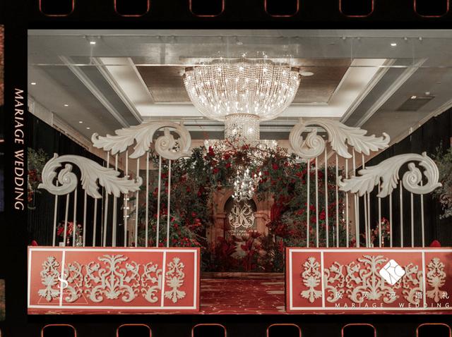 复古而又优雅的英式庄园主题婚礼,让宾客感受到